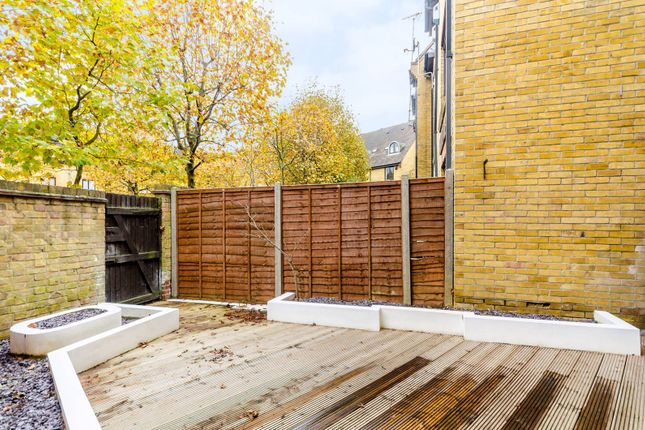 5 bed terraced house for sale in Kennet Street, Wapping