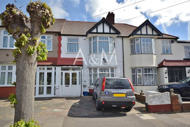 Thumbnail Terraced house for sale in Glenthorne Gardens, Ilford