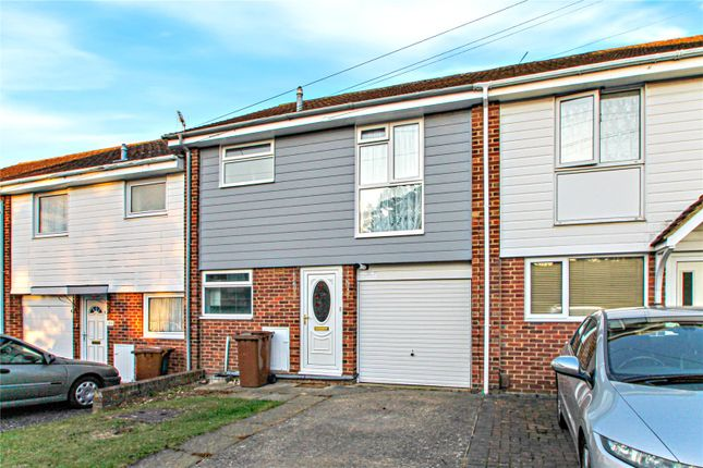 Thumbnail Property to rent in Long Catlis Road, Gillingham, Kent