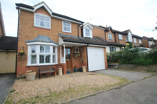 Thumbnail Link-detached house for sale in Wheat Close, Aylesbury
