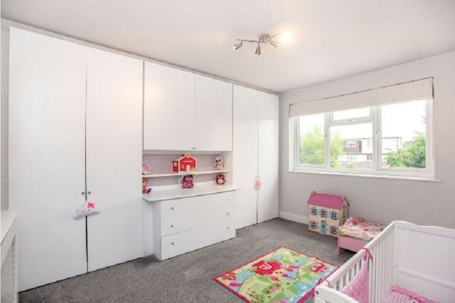 Bedroom of Windsor Avenue, Edgware, Greater London. HA8