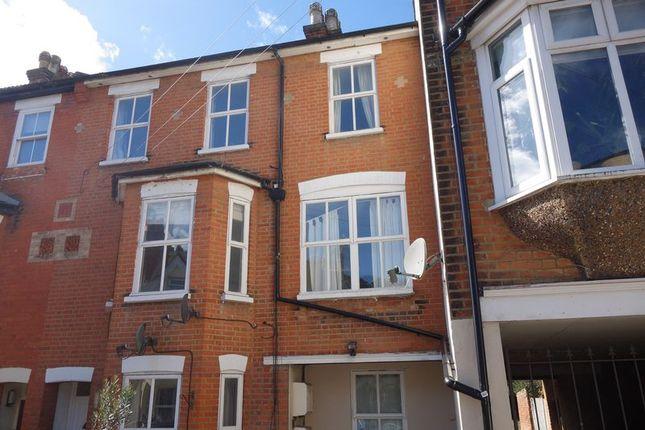 Thumbnail Flat to rent in Gordon Road, Aldershot