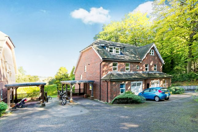 Thumbnail Town house to rent in Courts Hill Road, Haslemere