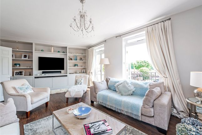 Reception of Thames Crescent, London W4