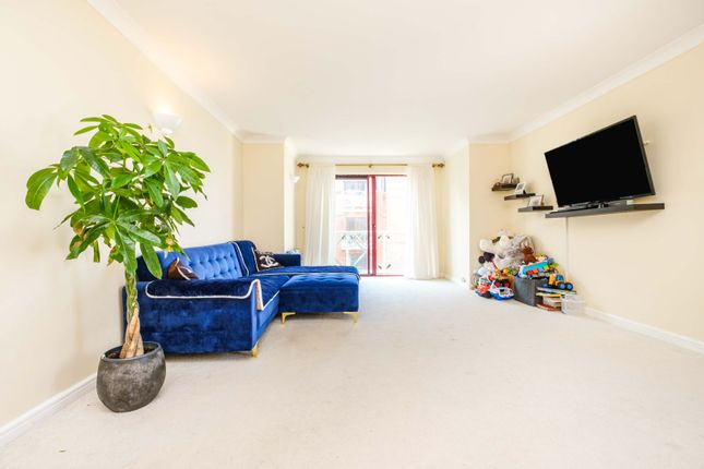 Thumbnail Flat for sale in William Morris Way, Fulham