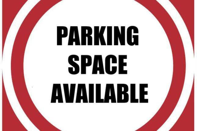 Thumbnail Parking/garage to let in Pepper Street, London