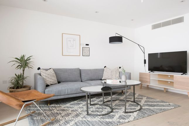 Duplex to rent in Lincoln's Inn Fields, London