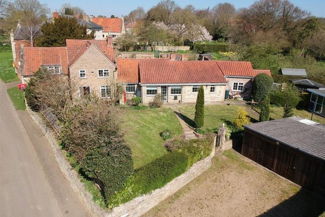 Thumbnail Cottage for sale in Frieston Green, Frieston, Grantham