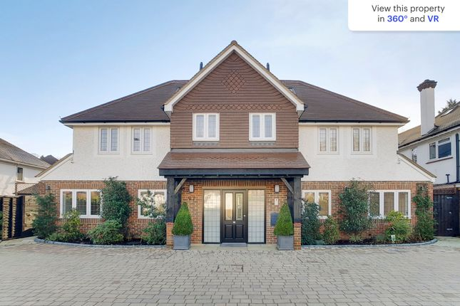 Flat for sale in Woodcote Valley Road, Purley