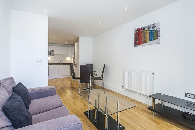 Thumbnail Flat to rent in Dowells Street, London
