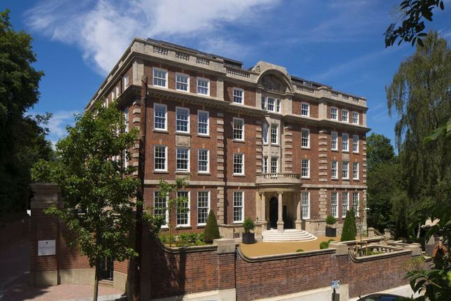 Thumbnail Flat to rent in Cholmeley Park, London