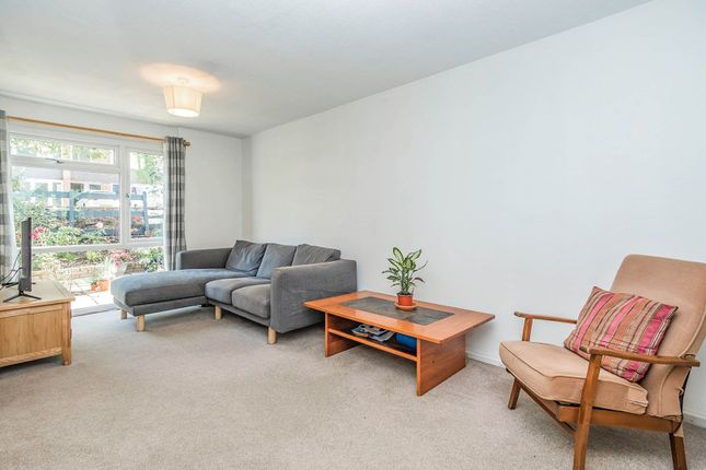 Living Area of Hillbrow, Reading RG2