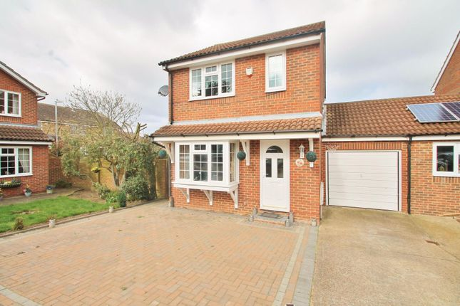 Thumbnail Detached house to rent in Castle Lane, Gravesend