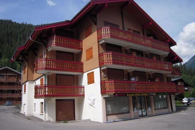 2 bed apartment for sale in Châtel, France
