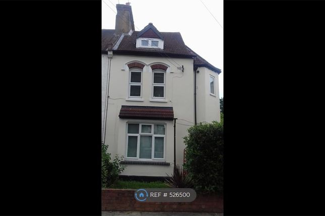 Thumbnail Flat to rent in Amblecote Road, London