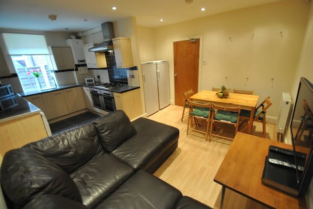 Thumbnail Semi-detached house to rent in Birchfields Road, Fallowfield, Manchester