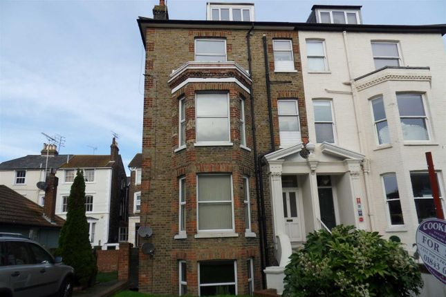 Flat to rent in Granville Road, Broadstairs