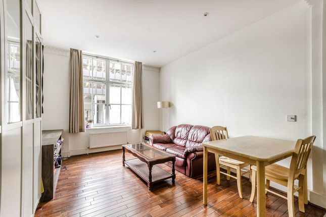 Thumbnail Flat to rent in Russell Square, Bloomsbury