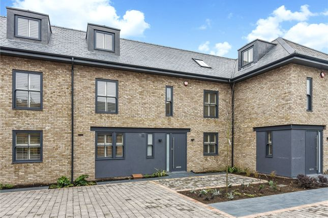 Thumbnail Terraced house for sale in Broyle Road, Chichester, West Sussex