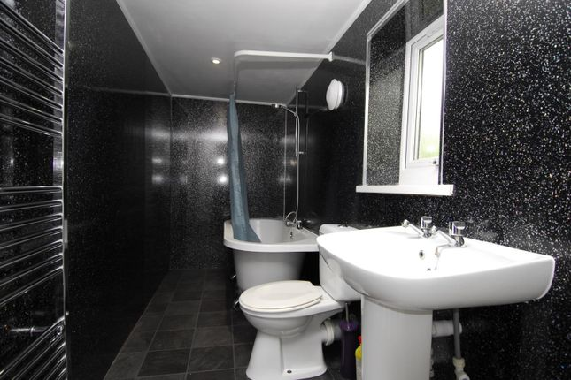 Thumbnail Flat to rent in Lockyer Road, Flat 2, Plymouth