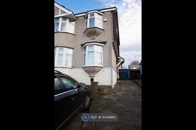 4 bed semi-detached house to rent in Collindale Avenue, Sidcup DA15