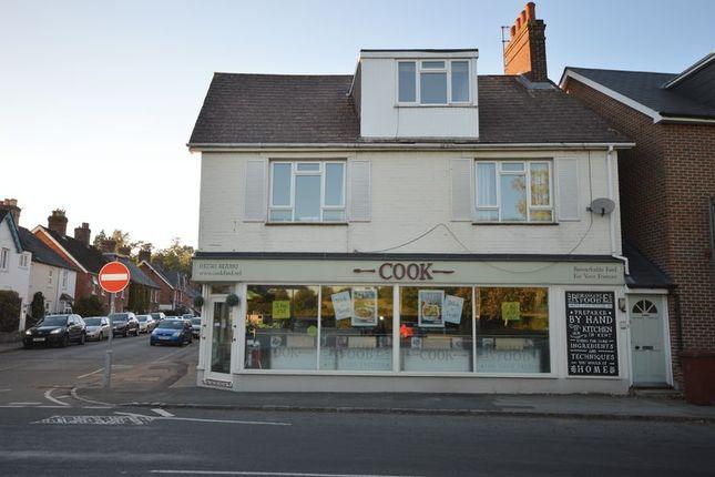 Thumbnail Flat to rent in Easebourne Lane, Easebourne, Midhurst