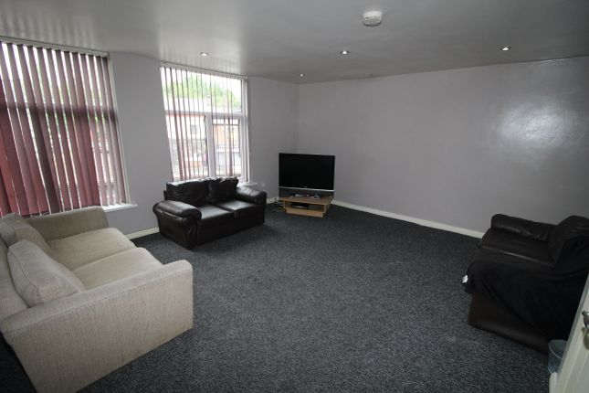Thumbnail Flat to rent in Fylde Road, Preston