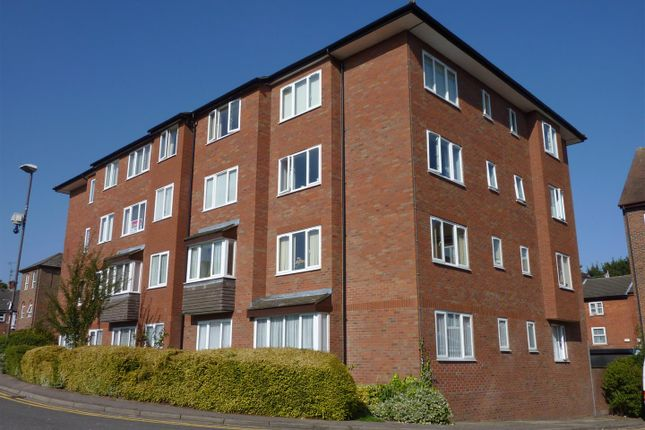 Thumbnail Flat for sale in Albion Street, Dunstable