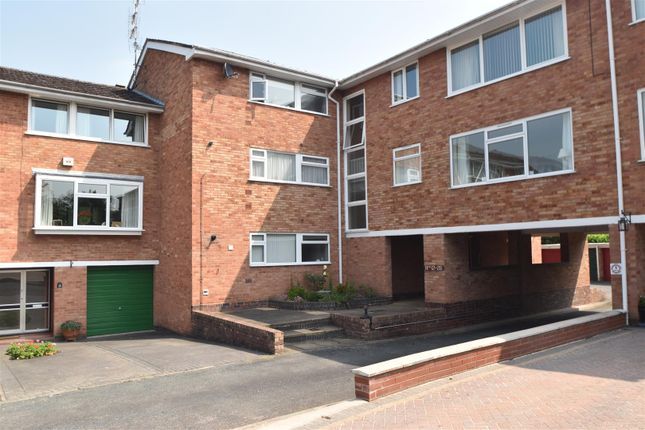 Thumbnail Flat for sale in Wedgberrow Close, Droitwich
