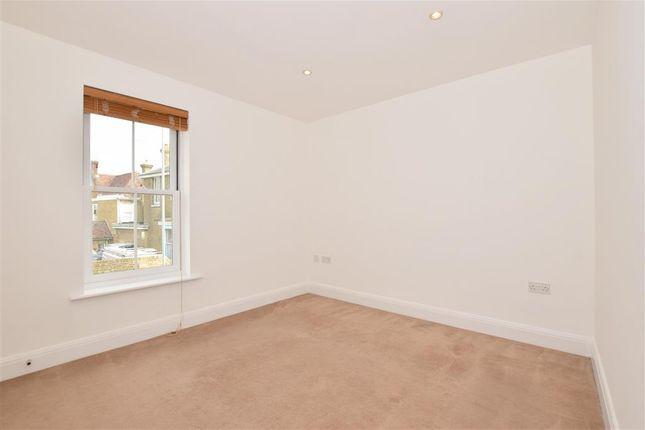 Bedroom 1 of South Road, Faversham, Kent ME13