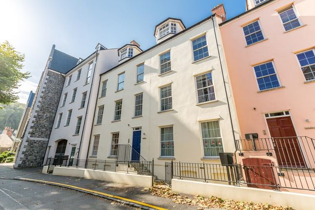 Thumbnail Flat to rent in Park Street, St. Peter Port, Guernsey