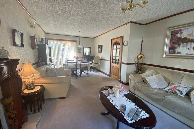 Lounge of Bank Street, Penygraig, Tonypandy CF40