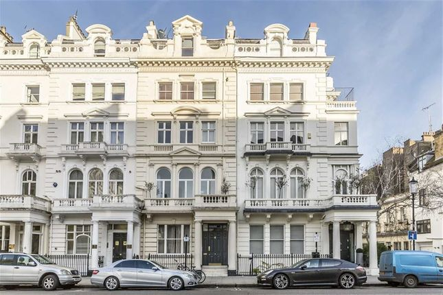 Flats to let in queen 39 s gate terrace london sw7 for Queens gate terrace