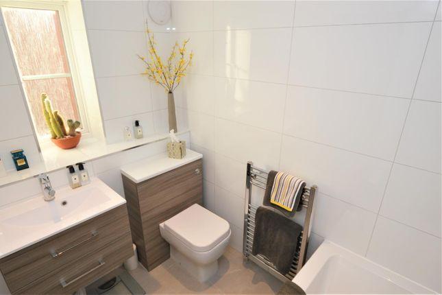 Bathroom B of Manston Way, St.Albans AL4
