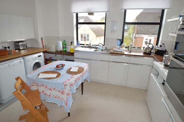 Thumbnail Flat to rent in West Street, Haselmere