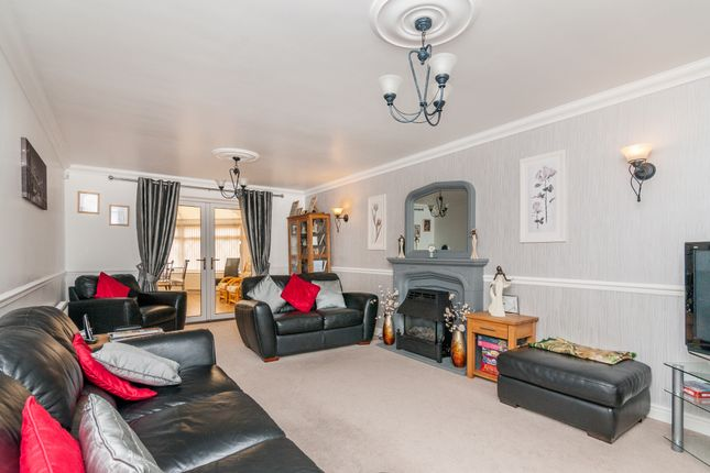 Lounge of Springwell Lane, Doncaster DN4
