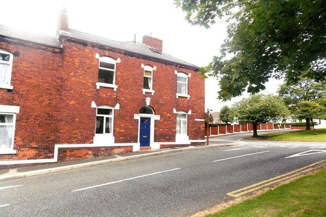 5 bedroom property for sale in Chapel Street, Dukinfield
