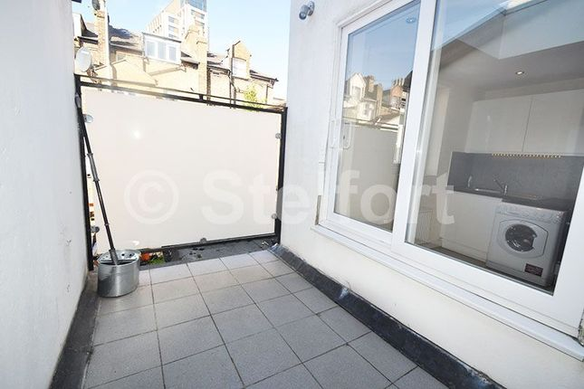 Thumbnail Flat to rent in Witley Road, London