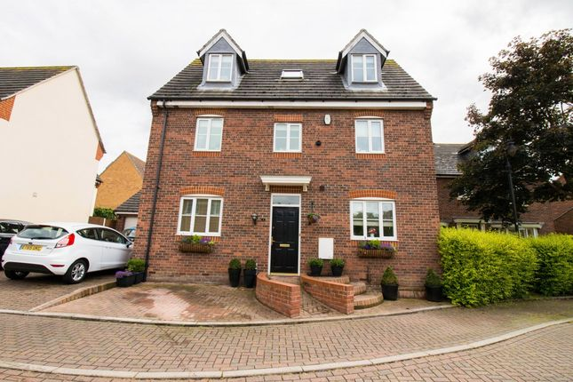 Thumbnail Detached house for sale in Shelford Close, Orsett, Essex