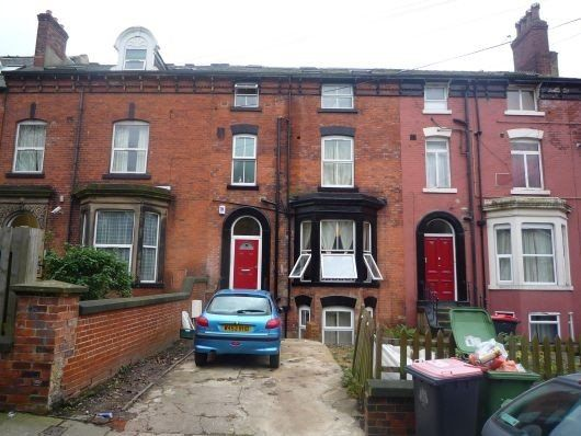 Thumbnail Shared accommodation to rent in Kensington Terrace, Hyde Park, Leeds 1Be, Hyde Park, UK