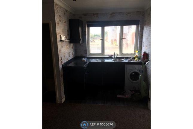 Studio to rent in Pound Lane, Bowers Gifford, Basildon SS13