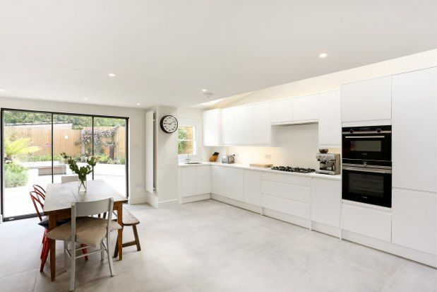 Thumbnail Property to rent in Southfields Road, London