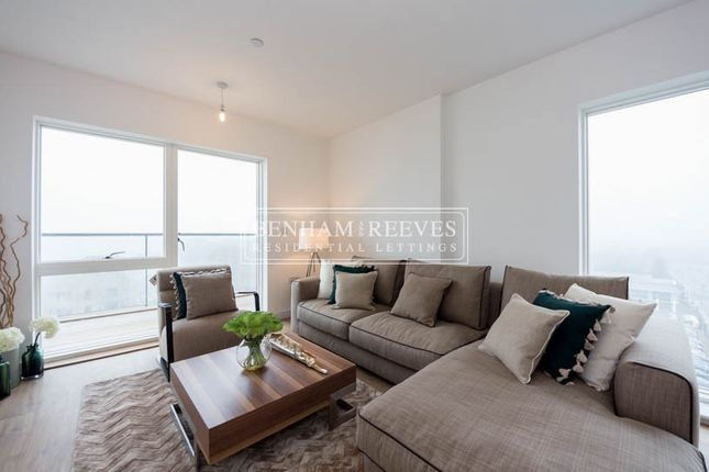 Thumbnail Flat to rent in Royal Dockside, Canary Wharf