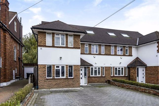 5 bed semi-detached house to rent in Southover, London N12