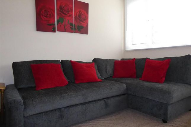 Lounge of Yaverland Road, Sandown, Isle Of Wight PO36