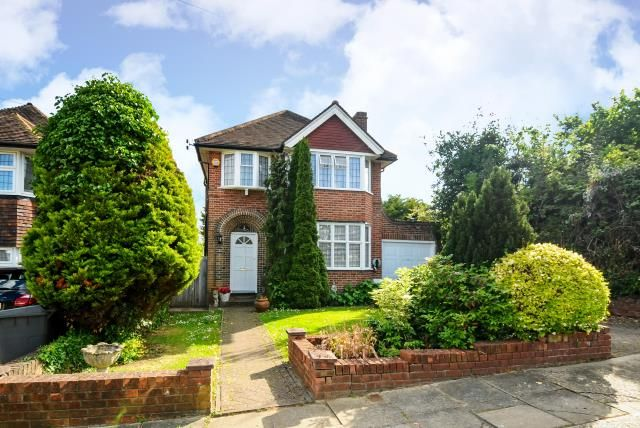 Thumbnail Detached house for sale in Poynings Way, Woodside Park, Woodside Park