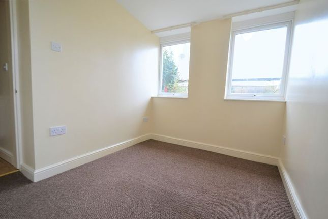 Photo 6 of 3 Bedroom Flat, Oxford Grove, Ilfracombe EX34