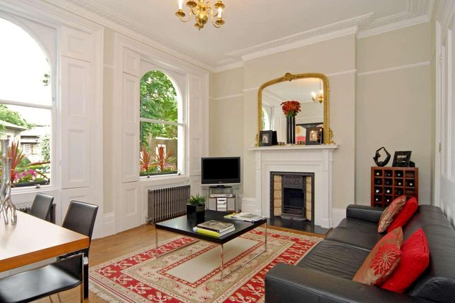2 bed flat to rent in Canonbury Park North, London