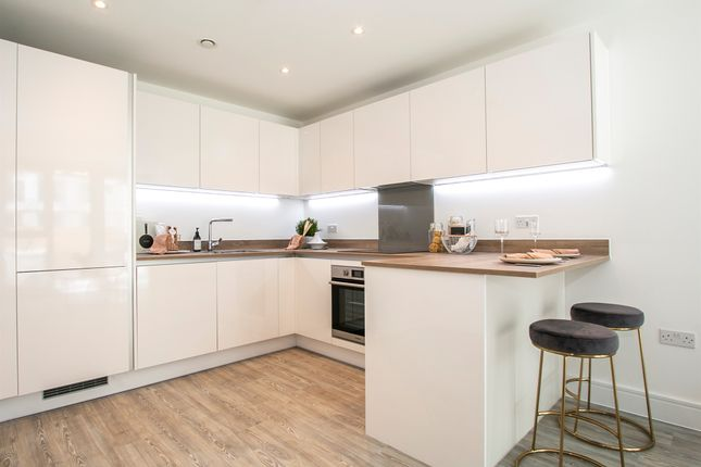 2 bed flat for sale in West Cliff Road, Bournemouth BH2