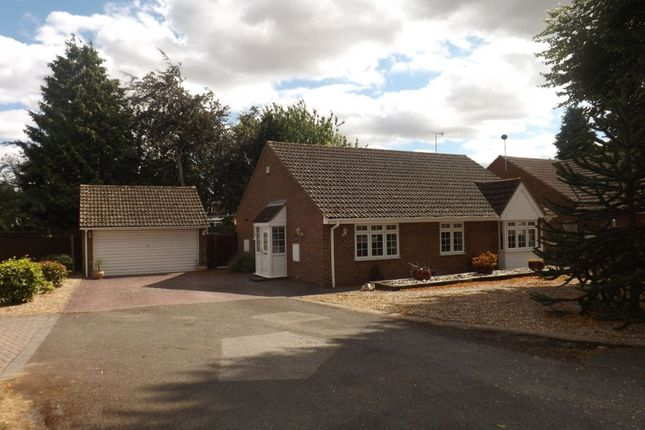 Thumbnail Bungalow for sale in Friary Field, Dunstable